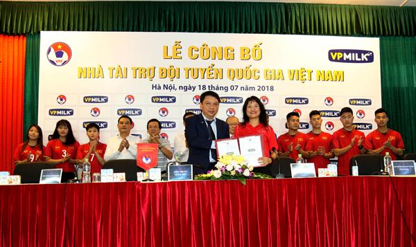 VPMILK tiếp tục đồng hành cùng Đội tuyển Quốc gia Việt Nam