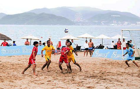 S.Khánh Hòa gặp Vietfootball trong trận chung kết giải Bóng đá bãi biển VĐQG 2018