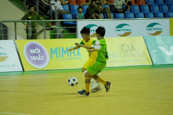 SLNA và Hưng Yên giành quyền tham dự trận chung kết giải Bóng đá Thiếu Niên Nhi Đồng Toàn Quốc tranh Cup Viettel 2018