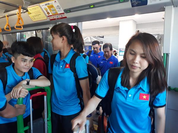 [Chùm ảnh] Đội tuyển nữ Việt Nam trong ngày đầu tiên tại Nhật Bản