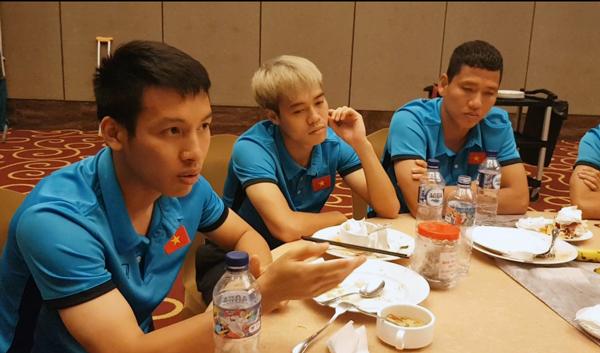 Tiền vệ Đỗ Hùng Dũng trải lòng trong khoảnh khắc chia tay các đồng đội tại ĐT Olympic Việt Nam