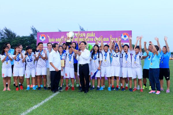 Hà Nội đăng quang giải bóng đá Nữ vô địchU19Quốc gia 2018
