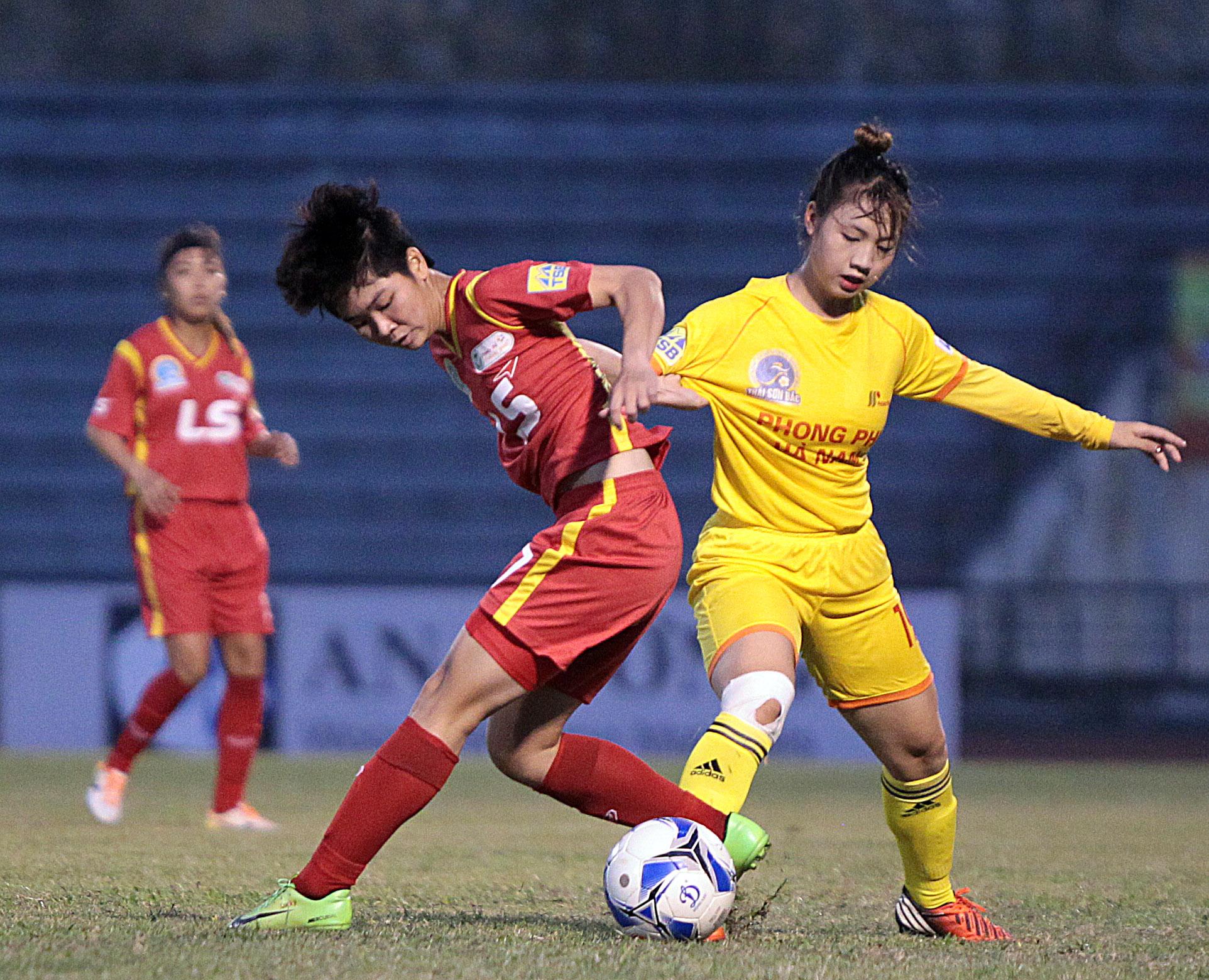 """Cần """"công bằng"""" và yêu thương hơn với các cầu thủ nữ Việt Nam!"""