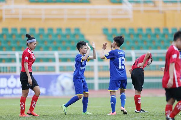 Lượt về giải bóng đá nữ VĐQG - Cúp Thái Sơn Bắc 2018 (21/9): Than KSVN lên ngôi đầu