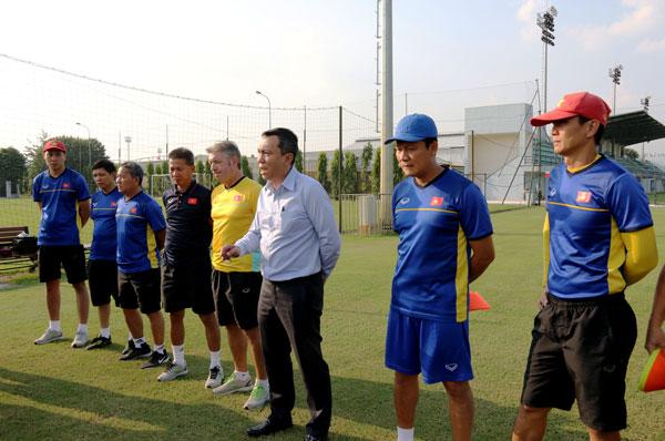 Lãnh đạo VFF khích lệ tinh thần ĐT U19 Việt Nam trong giai đoạn chuẩn bị cuối cùng cho VCK châu Á