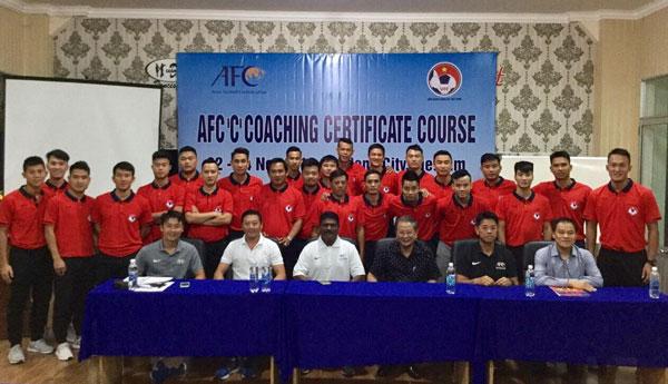 Khai giảng khóa học HLV bóng đá chứng chỉ 'C' AFC năm 2018 tại Đà Nẵng