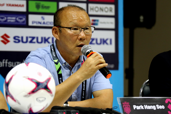 HLV Park Hang-seo hài lòng với 3 điểm đầu tiên tại AFF Suzuki Cup 2018
