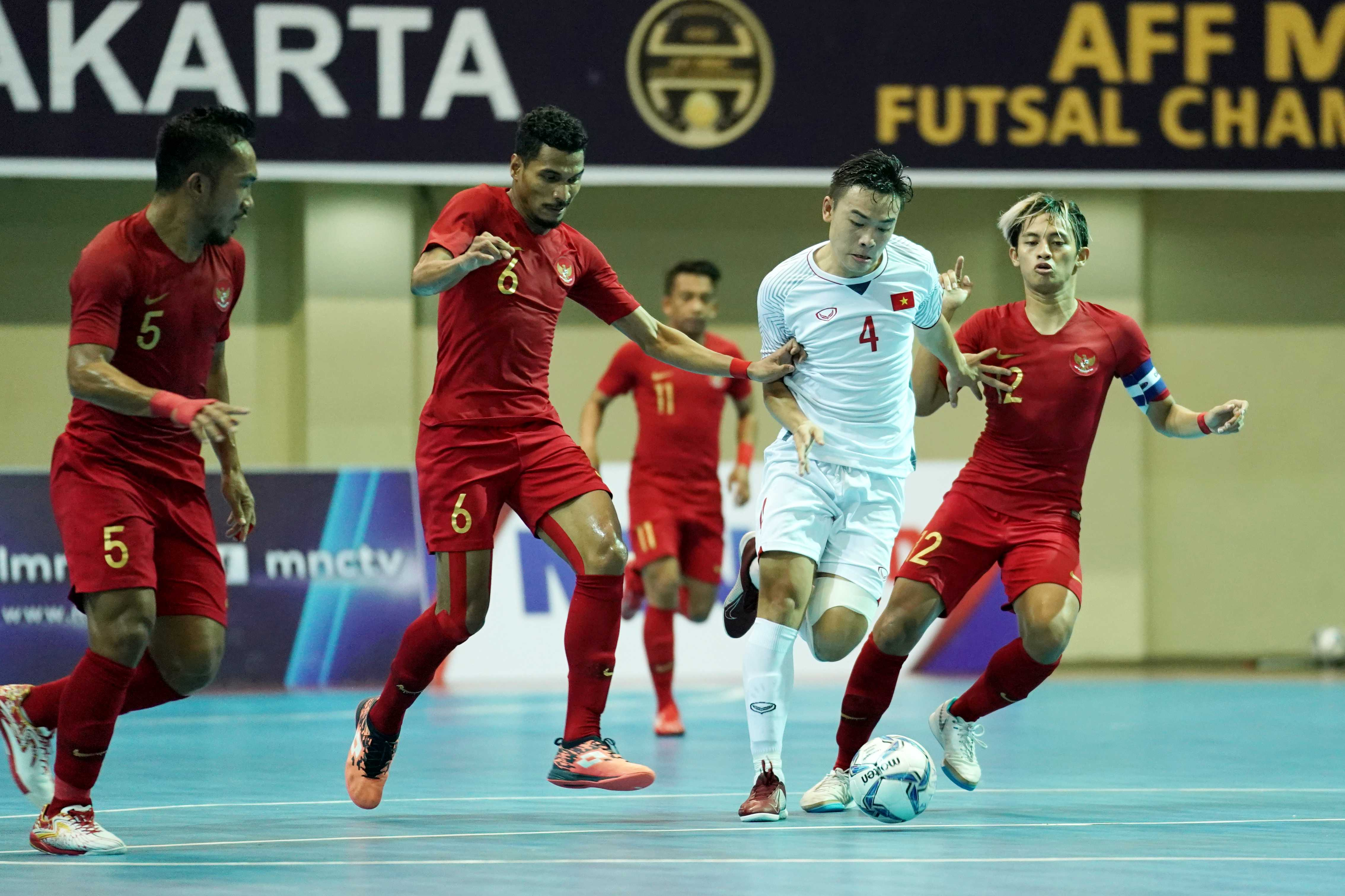 ĐT Việt Nam thua chủ nhà Indonesia ở trận tranh HCĐ futsal AFF 2018