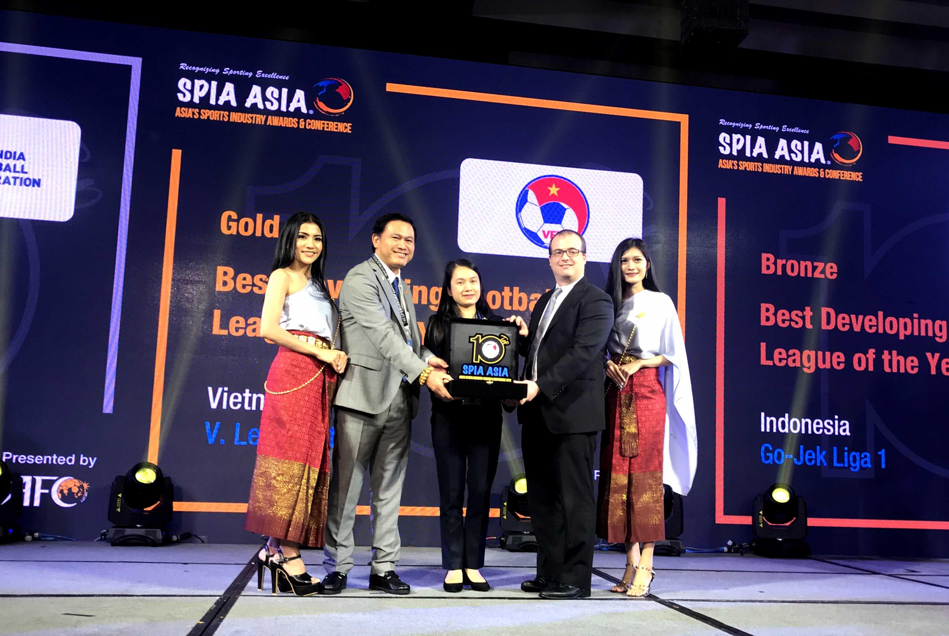 V.League 1 đoạt giải Vàng hạng mục Giải đấu Phát triển tốt nhất châu Á 2018.