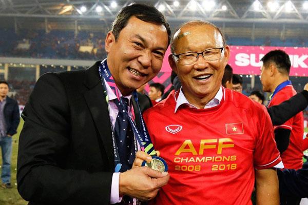 Đối thoại với Phó Chủ tịch VFF được ông Park tặng lại huy chương vàng