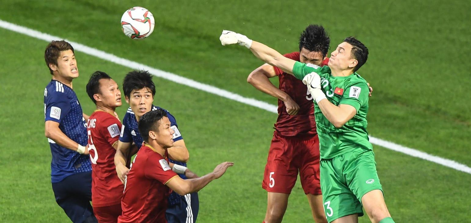 Liên đoàn bóng đá thế giới kinh ngạc trước sự thần kỳ của Việt Nam