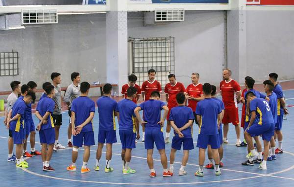 ĐT Futsal Việt Nam hội quân trở lại sau kỳ nghỉ Tết