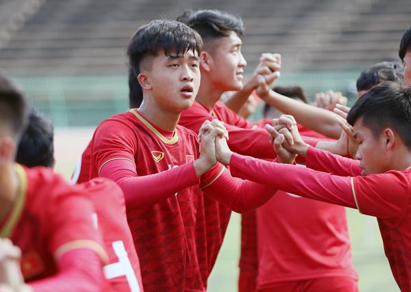 ĐT U22 Việt Nam tập làm quen sân thi đấu, sẵn sàng cho trận ra quân gặp Philippines