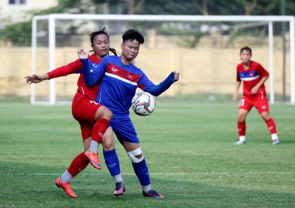 U16 nữ Việt Nam đấu tập với U19 nữ Quốc gia: Cơ hội thử nghiệm đội hình