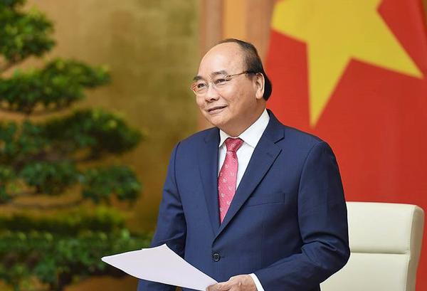 Thủ tướng Nguyễn Xuân Phúc và Bộ trưởng Nguyễn Ngọc Thiện động viên U22 Việt Nam trước trận bán kết