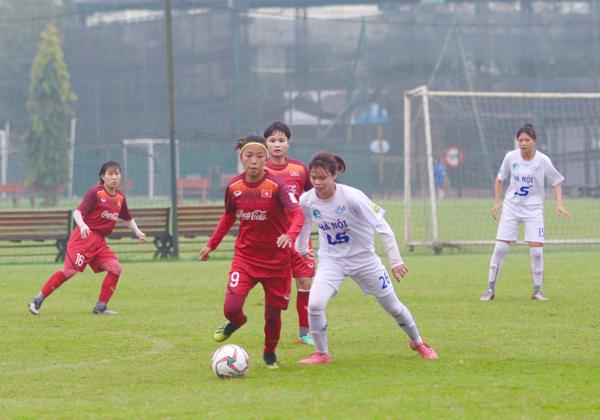 Đội tuyển nữ Quốc gia đấu tập với CLB nữ Hà Nội: Thử thách cho đội hình chính