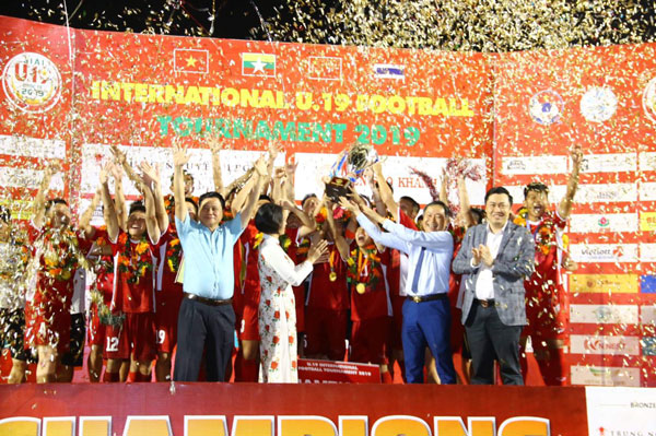 'Tiểu Công Phượng' lập công vào lưới Thái Lan, Việt Nam vô địch U.19 Quốc tế 2019