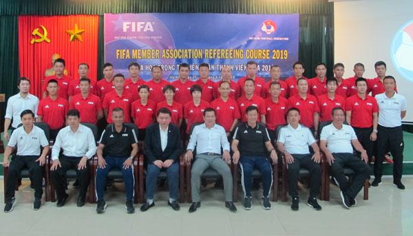 Khai mạc khóa học dành cho các trọng tài hàng đầu Liên đoàn bóng đá thành viên FIFA