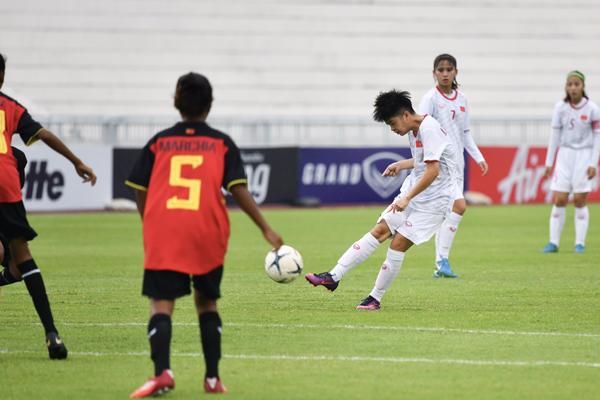 Giải U15 nữ ĐNA 2019 (bảng A): Trút cơn mưa bàn thắng vào lưới Timor-Leste, Việt Nam rộng cửa vào bán kết