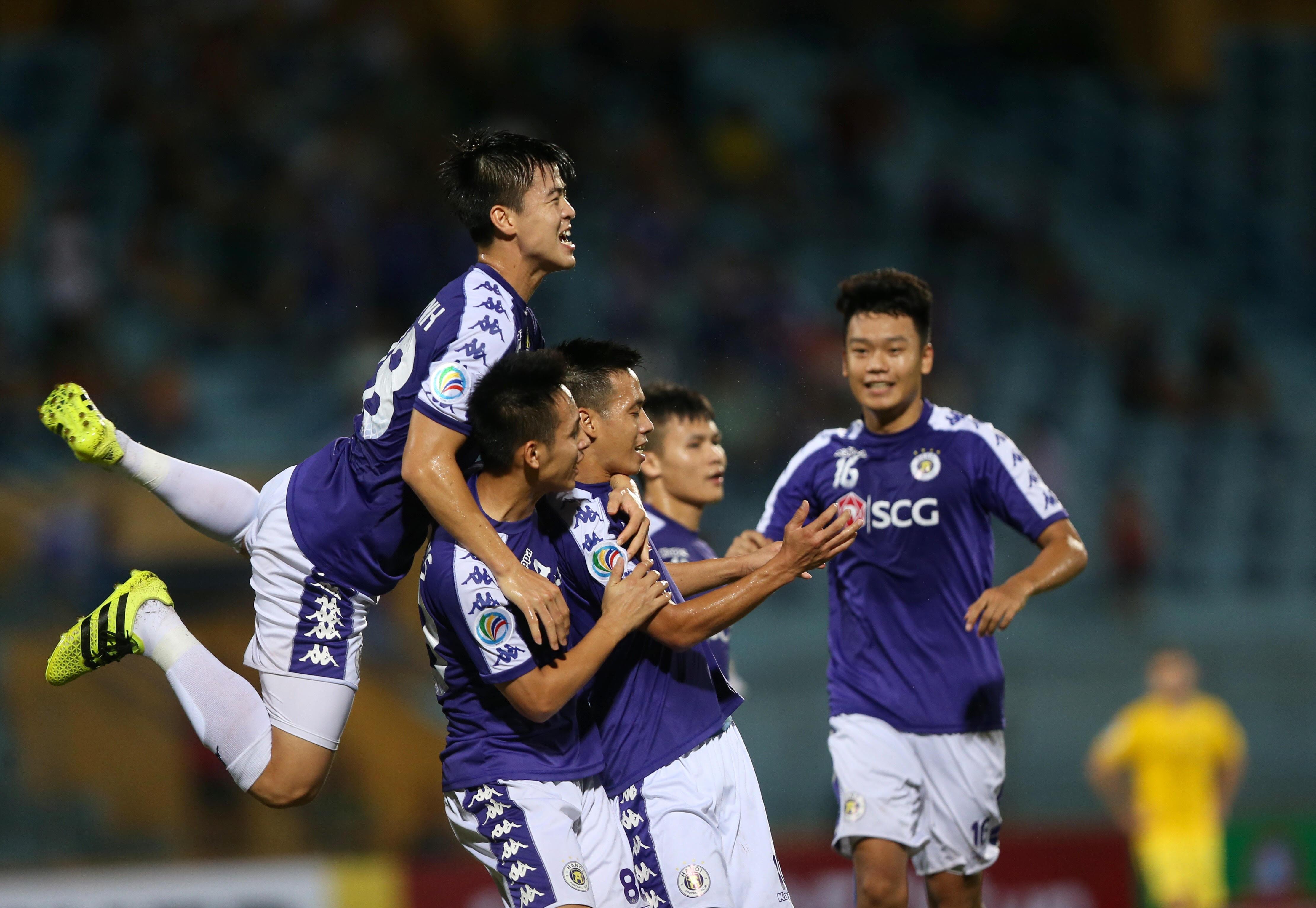 Thắng Ceres Negros 2-1 trong trận tái đấu, Hà Nội FC vào chung kết AFC Cup 2019 khu vực Đông Nam Á