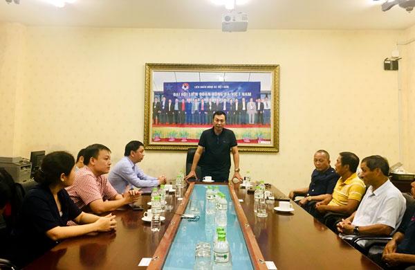 Tân Trưởng ban Bóng đá nữ Phạm Thanh Hùng gặp mặt ban huấn luyện ĐT nữ Quốc gia