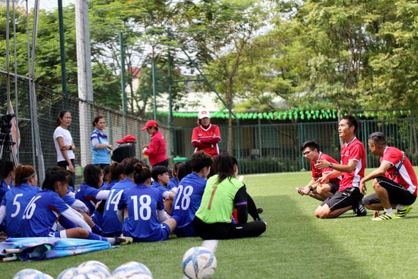 HLV trưởng Ijiri Akira gút danh sách đội tuyển U19 nữ Việt Nam tham dự giải giao hữu tại Hàn Quốc
