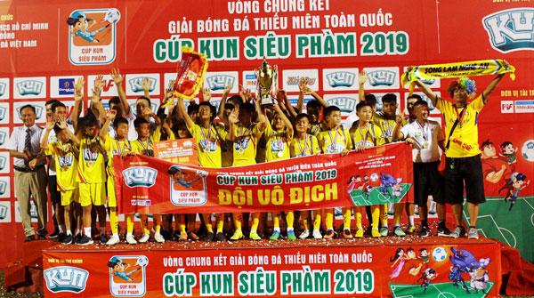 Chung kết giải bóng đá Thiếu Niên toàn Quốc - Cúp KUN Siêu Phàm 2019: Sông Lam Nghệ An lần thứ 7 đăng quang ngôi vô địch