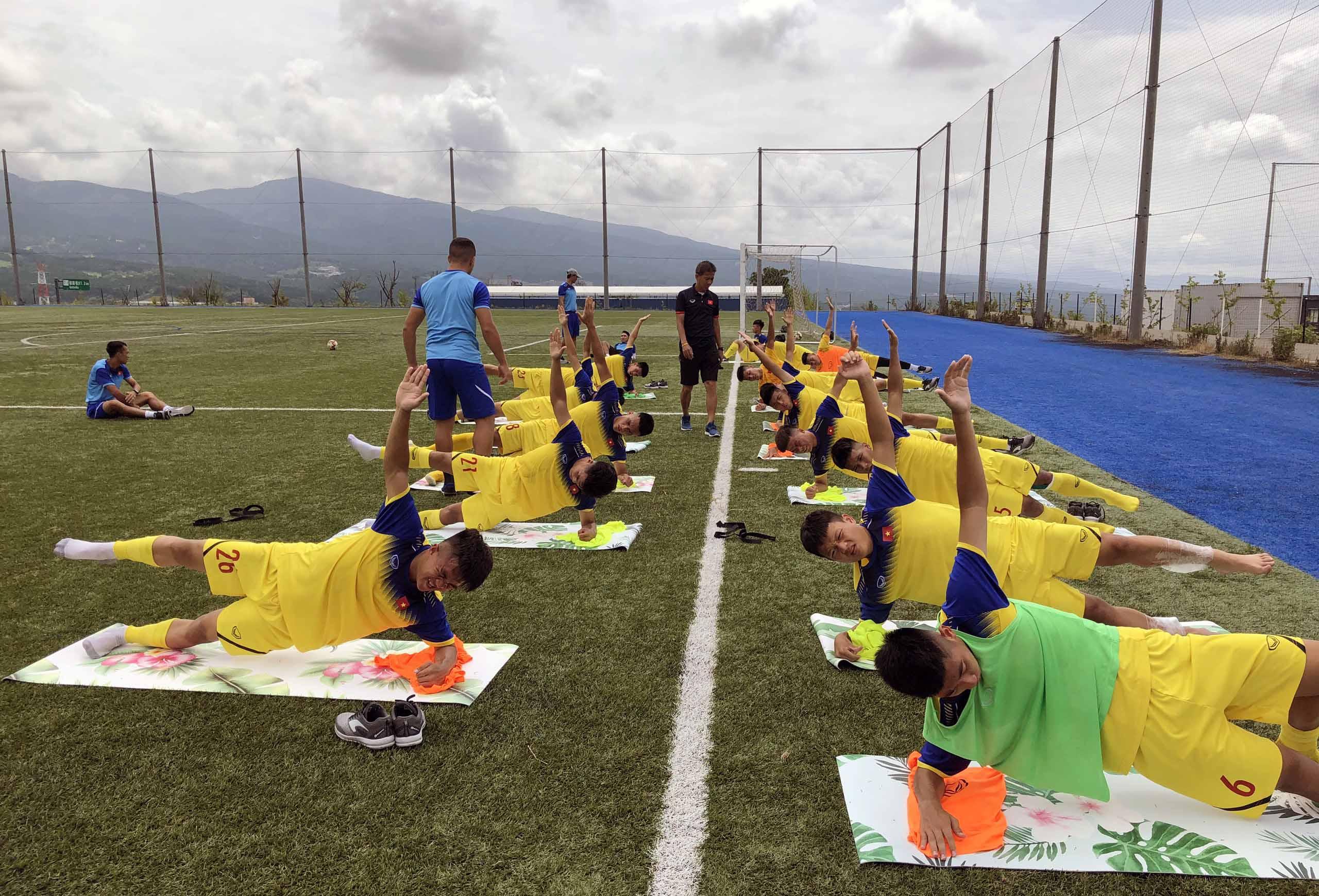 ĐT U18 Việt Nam phục hồi thể lực và chuẩn bị cho trận đấu tập thứ hai tại Gotemba