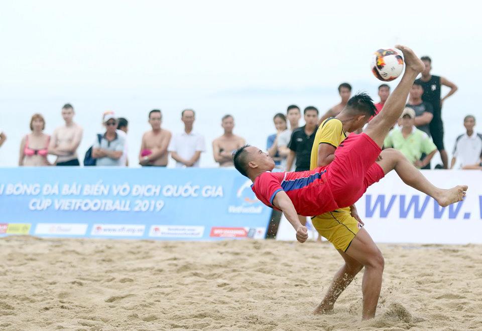 Giải bóng đá bãi biển VĐQG Cúp VietFootball 2019: Khánh Hòa có 3 điểm đầu tiên