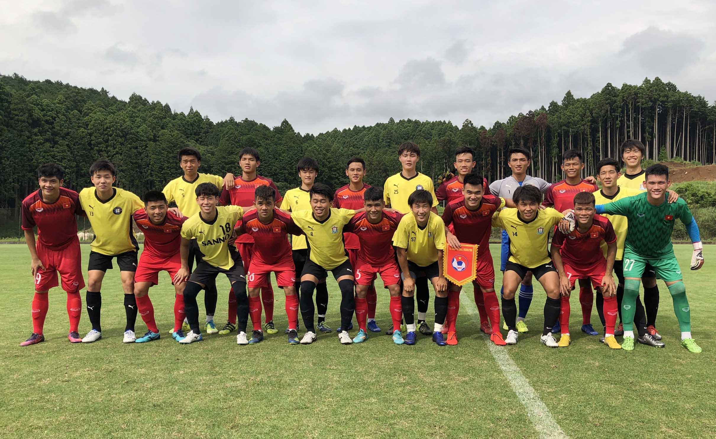 Đá tập tại Gotemba, U18 Việt Nam – Tuyển SV Đại học Sanno: 1-0