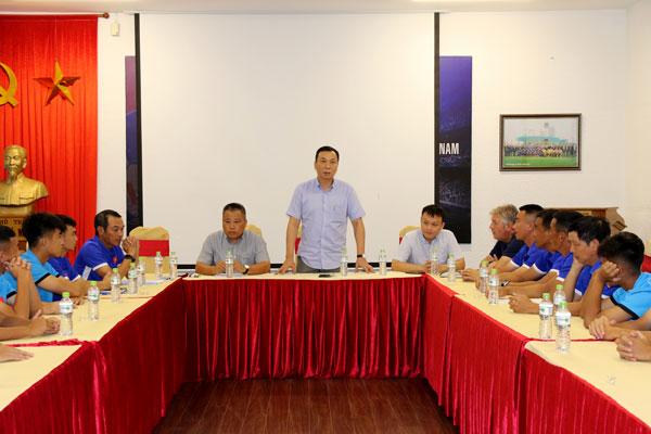 Lãnh đạo VFF động viên và giao nhiệm vụ cho ĐT U15 QG trước ngày lên đường dự giải Đông Nam Á
