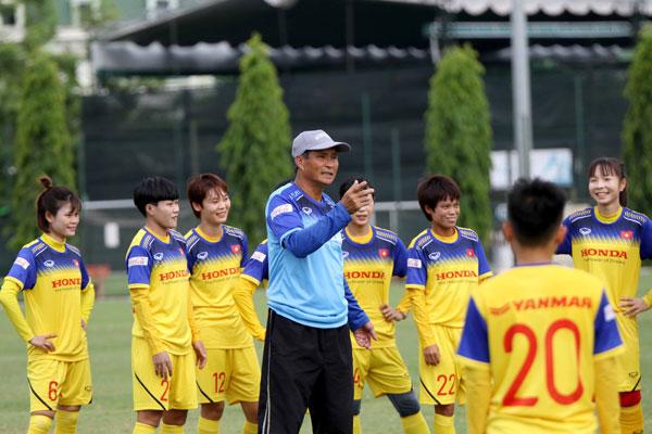 HLV Mai Đức Chung chốt danh sách chính thức ĐT nữ VN tham dự giải vô địch nữ ĐNA 2019