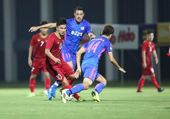ĐT U22 Việt Nam thắng CLB Kitchee SC 2-0 trong trận đá tập chiều 14/8