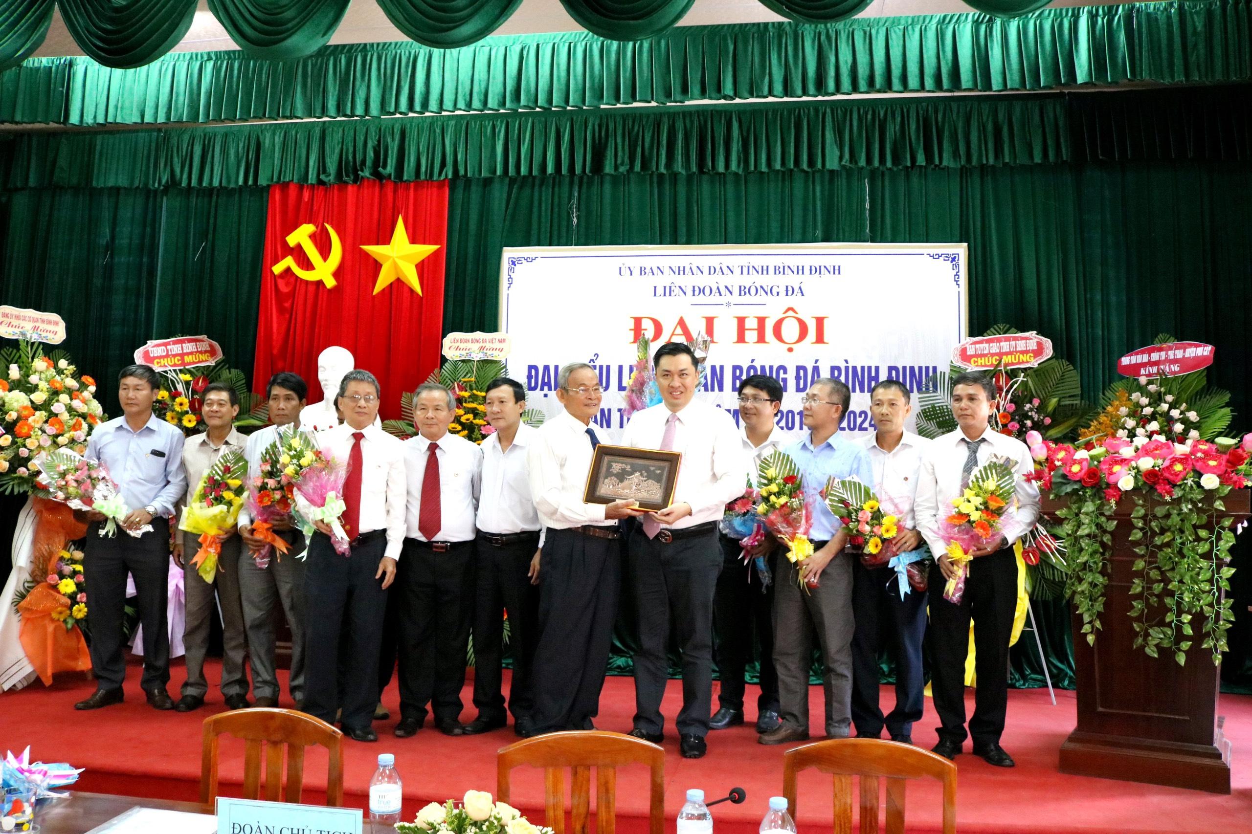 Ông Nguyễn Duy Quý tái đắc cử Chủ tịch LĐBĐ tỉnh Bình Định khóa VI (nhiệm kỳ 2019- 2024)