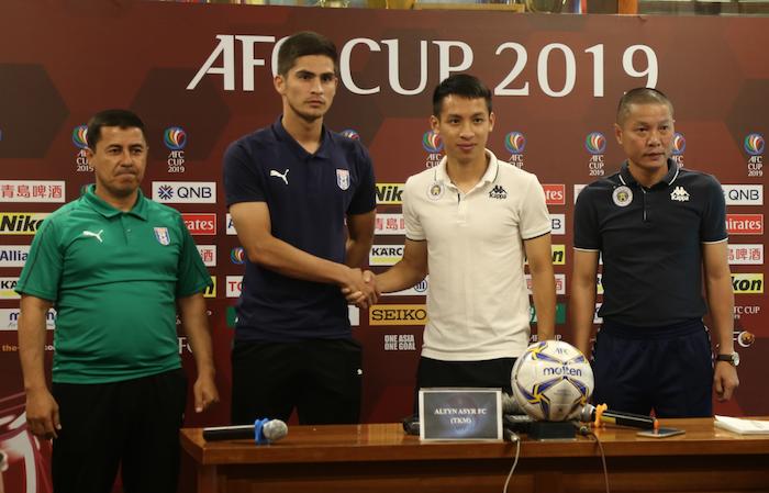 HLV Chu Đình Nghiêm quyết đưa Hà Nội FC đi vào lịch sử