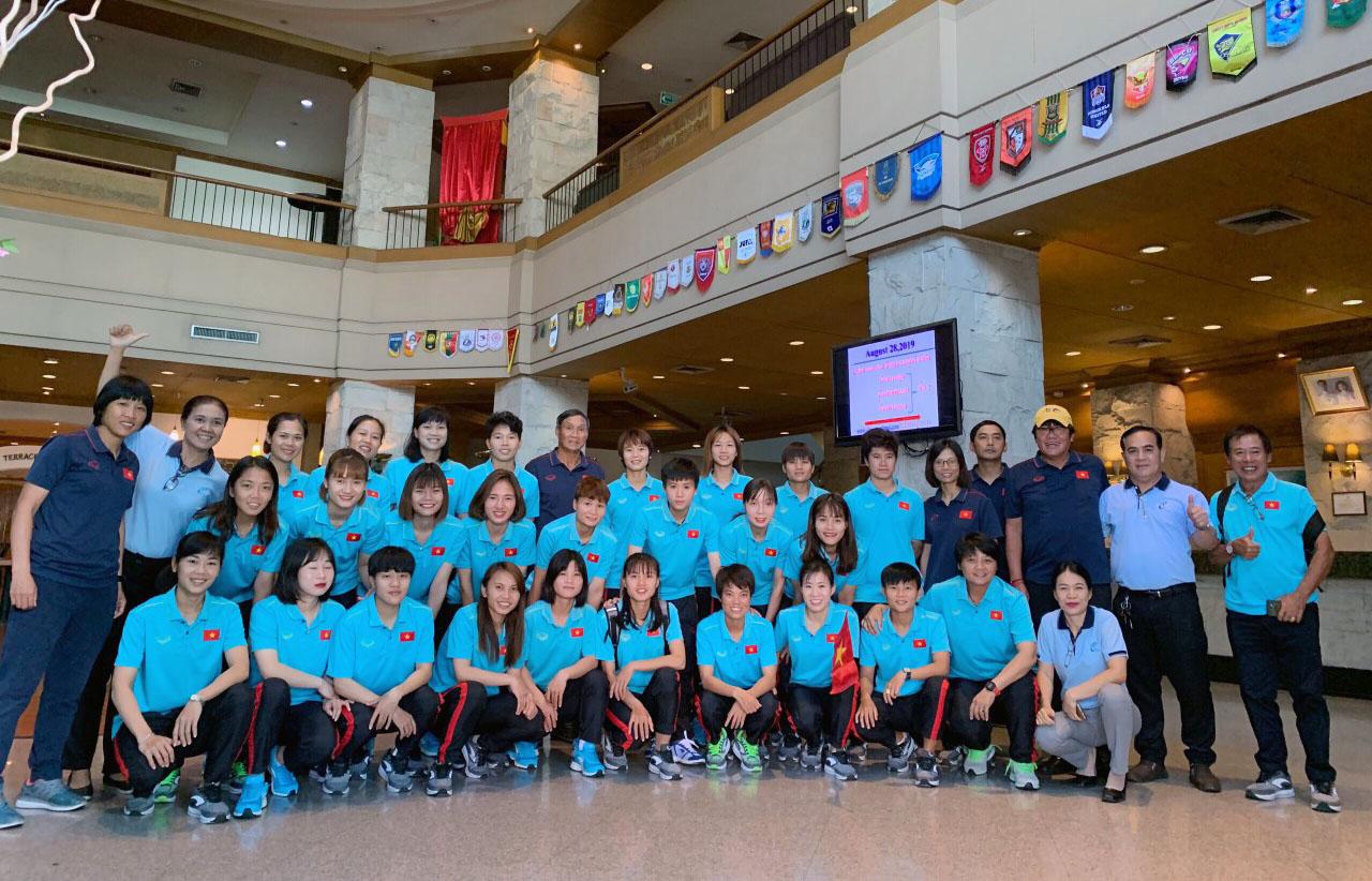 Vinamilk tặng đội tuyển nữ quốc gia 500 triệu đồng
