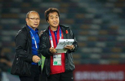 HLV Park Hang-seo chốt danh sách 24 cầu thủ ĐT Việt Nam sang Thái Lan