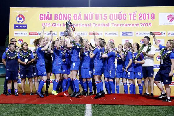U15 nữ Iceland vô địch giải bóng đá nữ U15 Quốc tế 2019