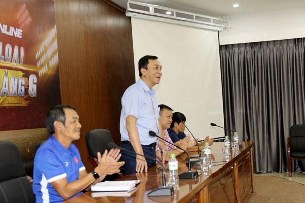 Phó Chủ tịch thường trực LĐBĐVN Trần Quốc Tuấn gặp mặt các đội tuyển U16 nam, nữ Việt Nam