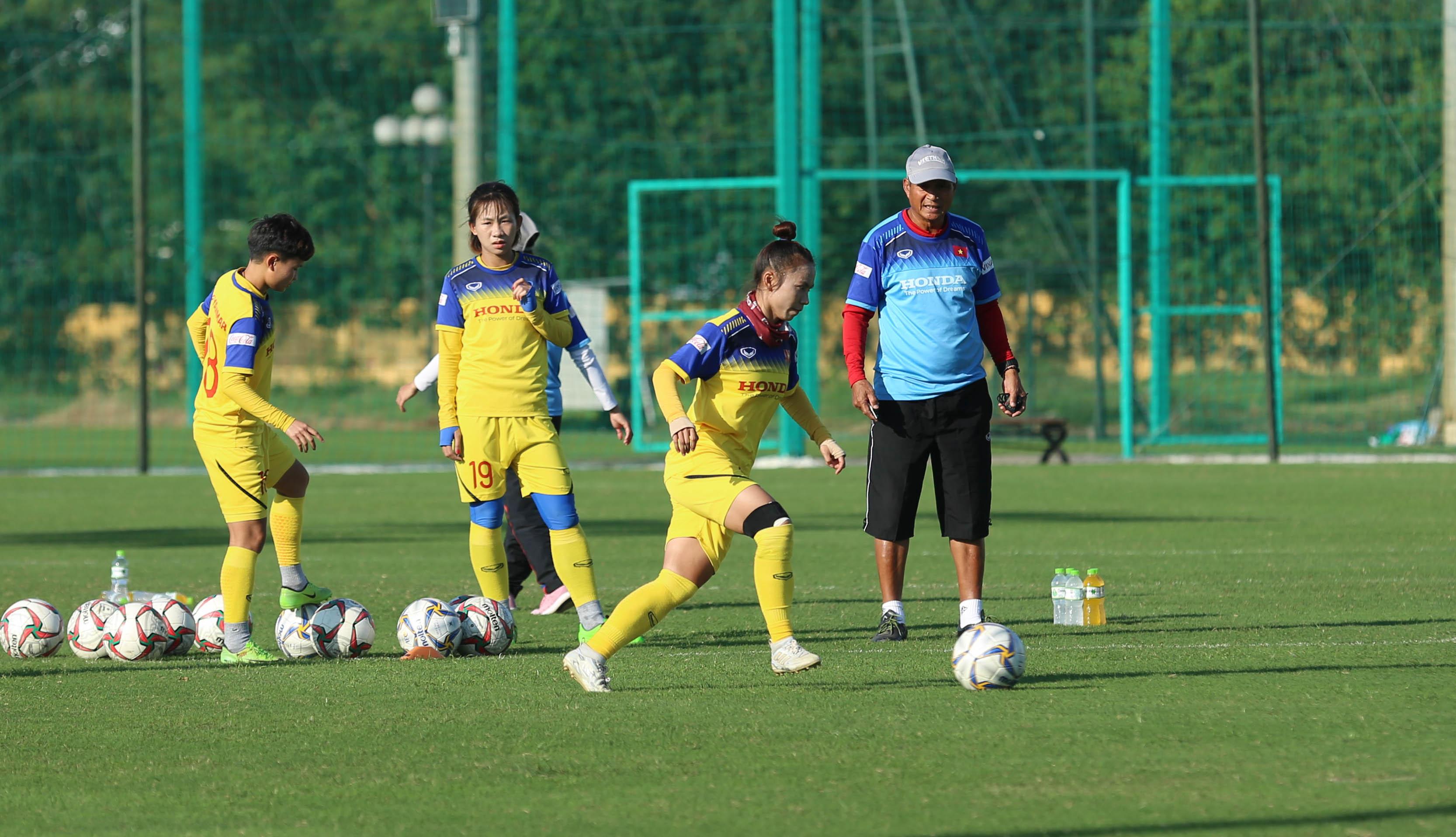 Đêm nay (10/11), đội tuyển nữ Quốc gia lên đường đi tập huấn tại Nhật Bản