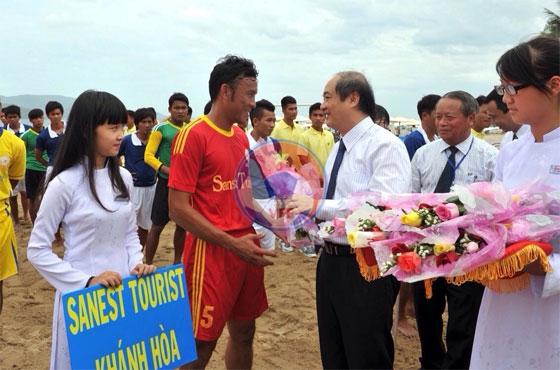 Khai mạc giải bóng đá bãi biển - Đại hội TDTT toàn quốc lần thứ VII-2014