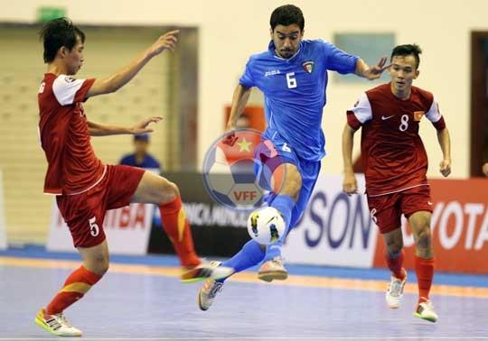 VCK Futsal châu Á 2014 (ngày 4/5): Đánh bại Kuwait, ĐT Việt Nam gặp Iran tại Tứ kết