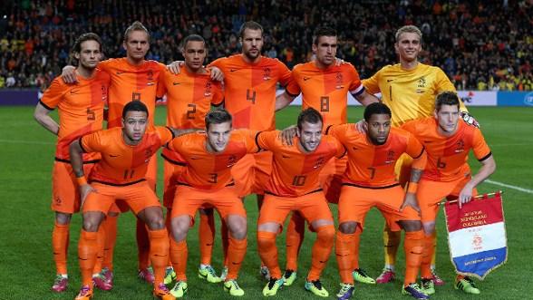 Hướng tới World Cup 2014, Đội tuyển Hà Lan: Đường vào tứ kết lắm gian nan