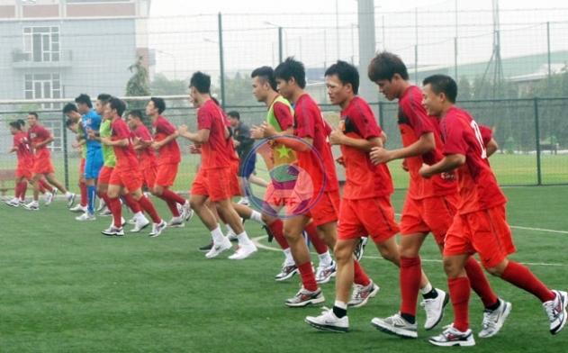 HLV Hoàng Văn Phúc chốt danh sách 22 tuyển thủ cho trận gặp CLB Arsenal