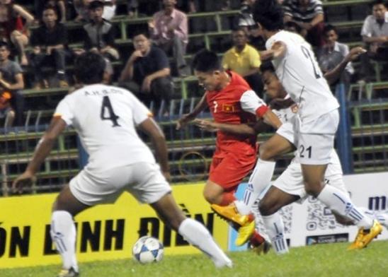 Khai mạc giải U21 Quốc tế- Cúp Báo Thanh Niên 2013: Chủ nhà khởi đầu thuận lợi