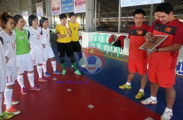 Nhật ký tuyển Futsal nữ Việt Nam (16/12): Quyết giành 3 điểm trước Malaysia