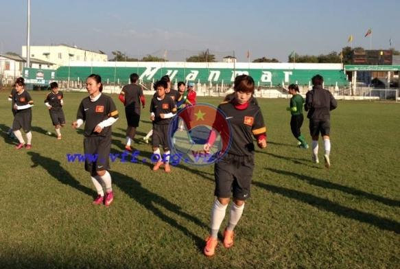 Nhật ký đội tuyển bóng đá nữ Việt Nam tại SEA Games 27: Thoải mái chuẩn bị trận chung kết