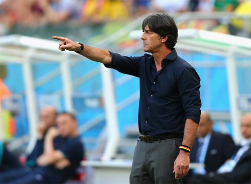 HLV Joachim Low tiếp tục dẫn dắt tuyển Đức