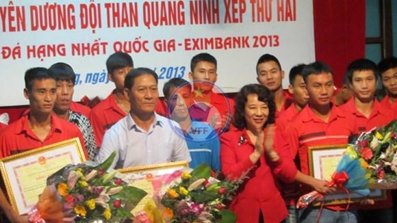 Tuyên dương Đội bóng đá Than Quảng Ninh  lên hạng V.League 2014
