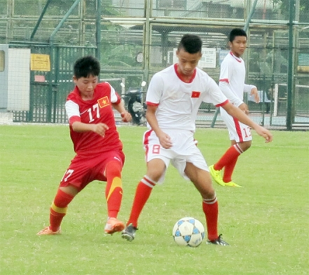 Đội tuyển U16 nữ Việt Nam đấu tập với đội dự tuyển U15 nam QG: Bài test hữu ích